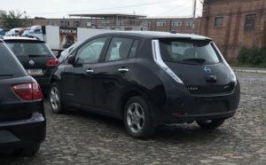 dostavka-rastamozhka-jelektromobilja-nissan-leaf-v-ukraine-iz-ssha-evropy-1-q